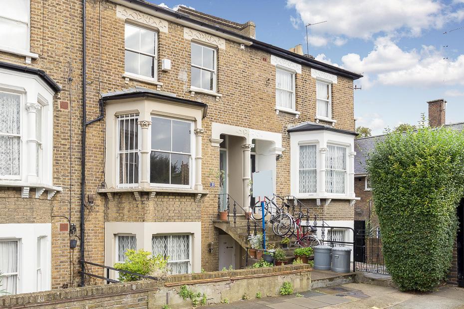 2 Bedrooms Maisonette Flat for sale in Brackenbury Gardens W6