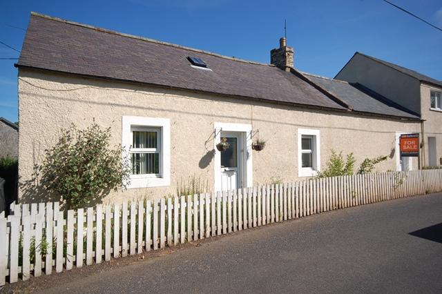 3 Bedrooms Semi Detached House for sale in Primrose Cottage, 11 Marchmont Road, Greenlaw, Duns, Scottish Borders, TD10