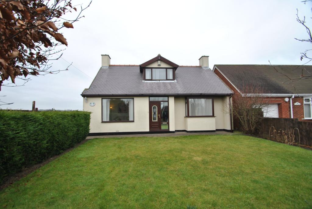 3 Bedrooms Detached Bungalow for sale in High West Lane, Hawthorn, Co Durham, SR7