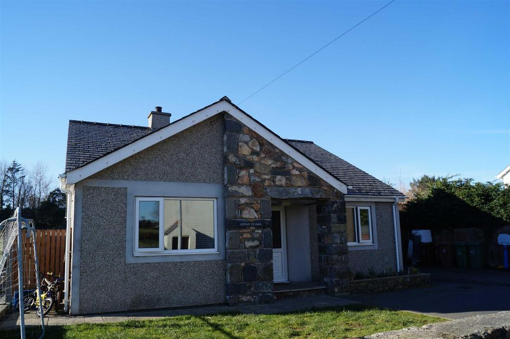 3 Bedrooms Detached Bungalow for sale in Lon Rhos, Edern