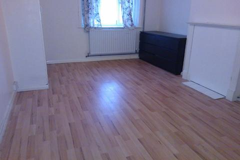2 bedroom flat to rent - Brookhowse Road, Bellingham, London SE6