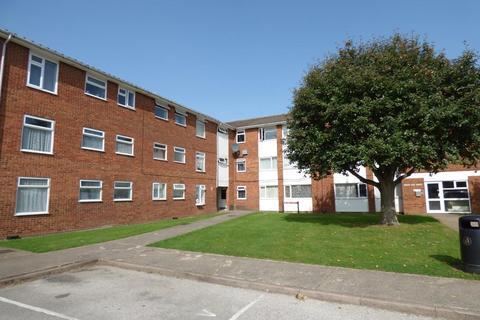 2 bedroom apartment to rent - Broad Oak Court, Handcross Road, Luton, Beds, LU2 8JE
