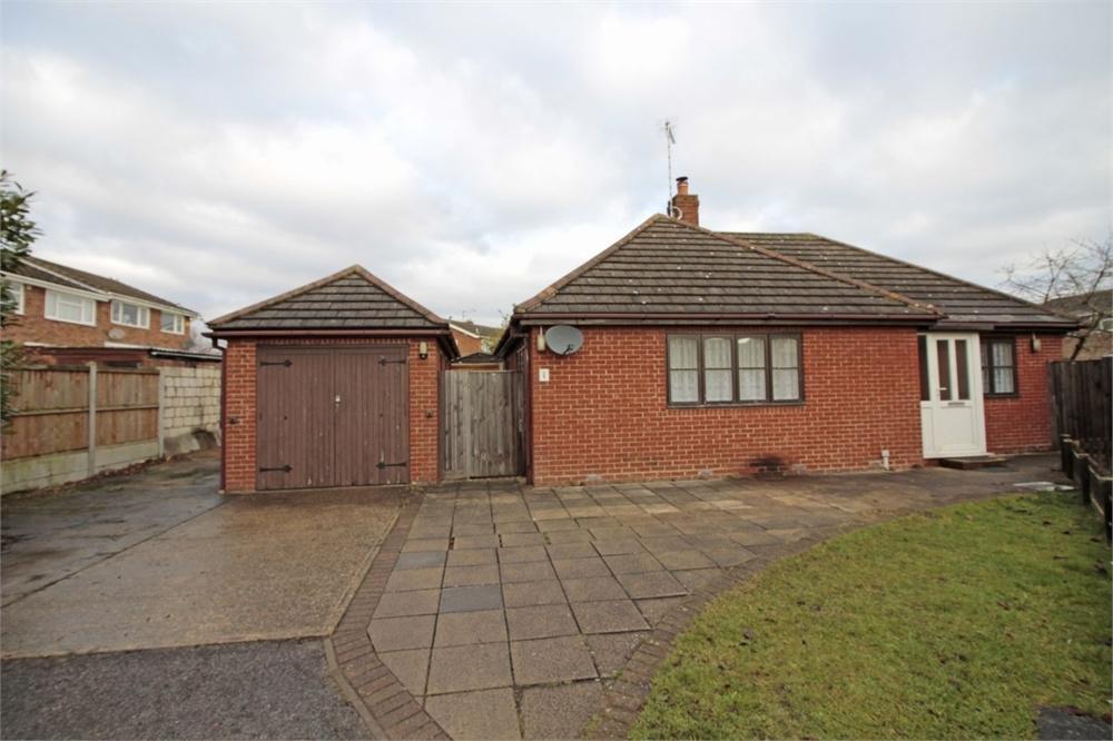 2 Bedrooms Detached Bungalow for sale in Kelvedon Road, Tiptree, Essex