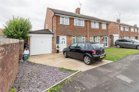 3 bedroom semi-detached house to rent - Winston Avenue, Tiptree, Essex