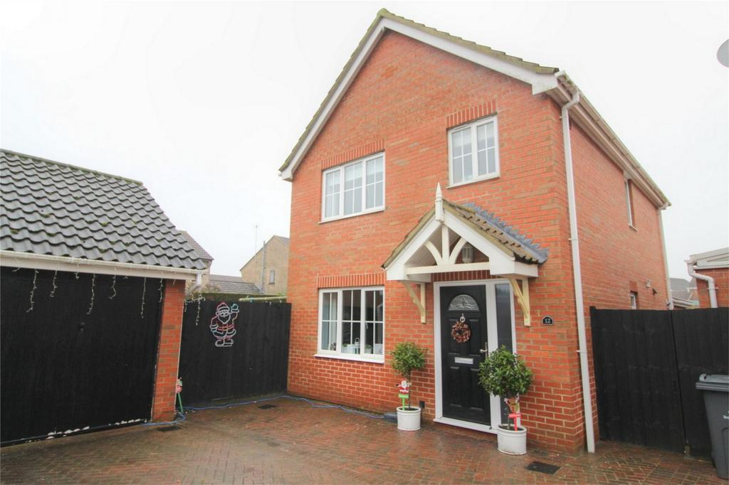 3 Bedrooms Detached House for sale in Varrick Way, Attleborough