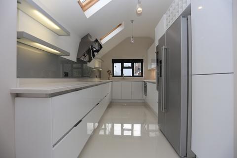 4 bedroom detached house to rent - Hillside Way, Brighton