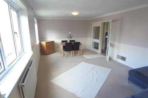2 bedroom flat to rent - ST JAMES DRIVE, HORSFORTH, LEEDS, LS18 5QX