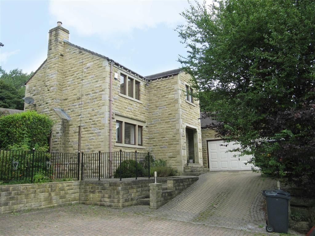 5 Bedrooms Detached House for sale in St Helens Field, Amondbury, Huddersfield, HD4