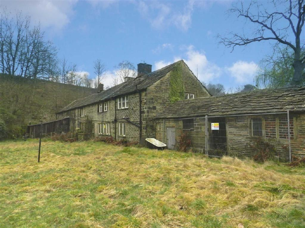 3 Bedrooms Detached House for sale in Gynn Lane, Honley, Holmfirth, HD9