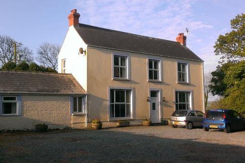 4 bedroom property with land for sale - Johnston, Haverfordwest