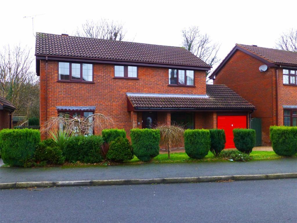 4 Bedrooms Detached House for sale in Ffordd Gwenllian, Llay, Wrexham