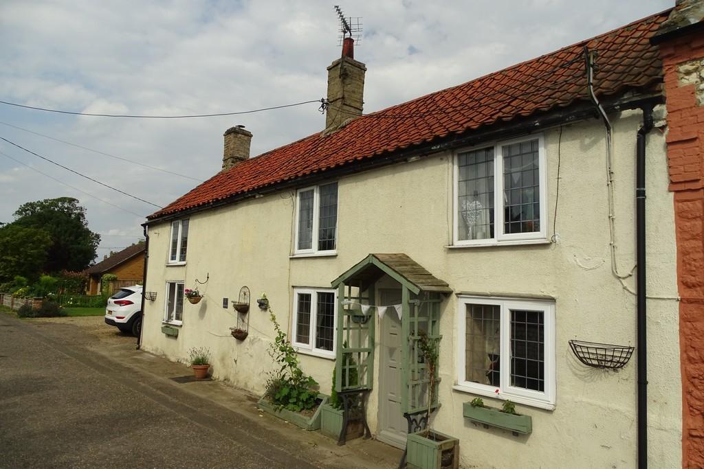 4 Bedrooms Semi Detached House for sale in Eldens Lane, Methwold