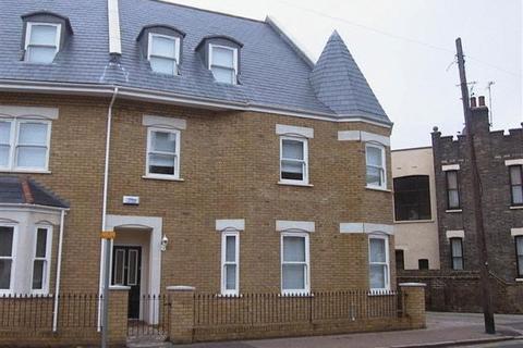 2 bedroom flat to rent - Park Road, Westcliff-On-Sea