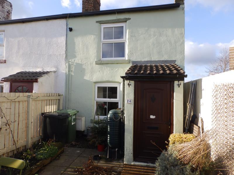 1 Bedroom Semi Detached House for sale in THE GREEN, SEACROFT, LEEDS, LS14 6JW