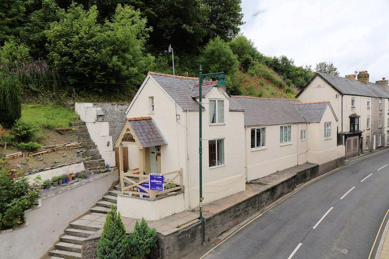 4 Bedrooms Detached House for sale in Bridge Street, Corwen