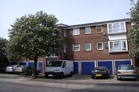 1 bedroom flat to rent - Whernside Close, North Thamesmead, London SE28