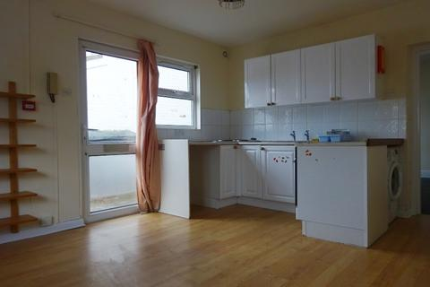1 bedroom ground floor flat to rent - St Andrews Road, Exmouth EX8