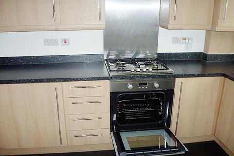4 bedroom semi-detached house to rent - Pound Park Road, Charlton, London SE7