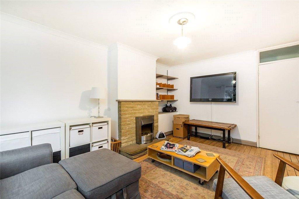 2 Bedrooms Flat for sale in Brick Farm Close, Kew, Surrey, TW9