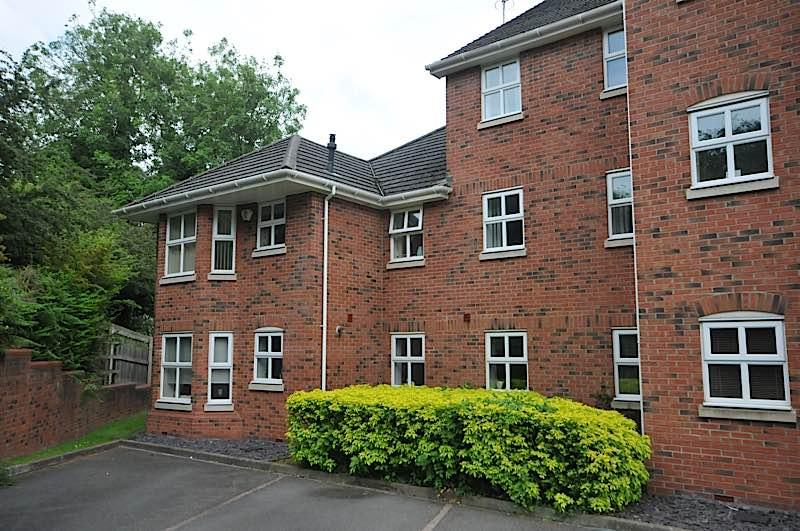 1 Bedroom Ground Flat for sale in WORDSLEY - Crownoakes Drive