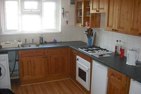 3 bedroom flat to rent - Tupman House, Wingfield Street, Portsmouth, PO1