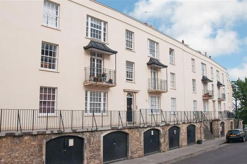 2 bedroom flat to rent - Wellington Terrace, Clifton Village