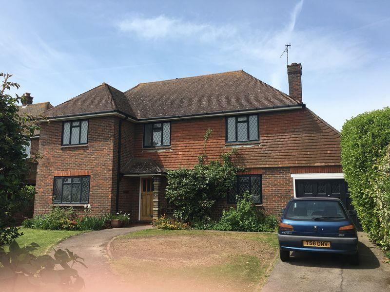 4 Bedrooms Detached House for sale in Arlington Avenue, Goring Hall