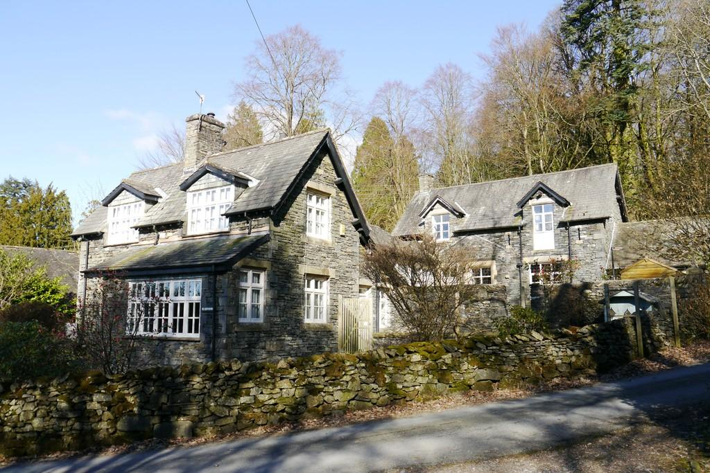 5 Bedrooms Detached House for sale in St Catherines Cottage, Patterdale Road, Windermere, LA23 1NH