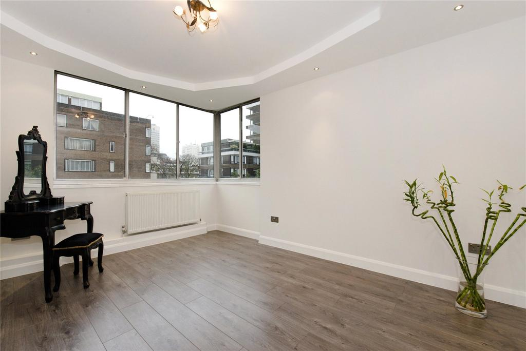 2 Bedrooms Flat for sale in Quadrangle Tower, Cambridge Square, London