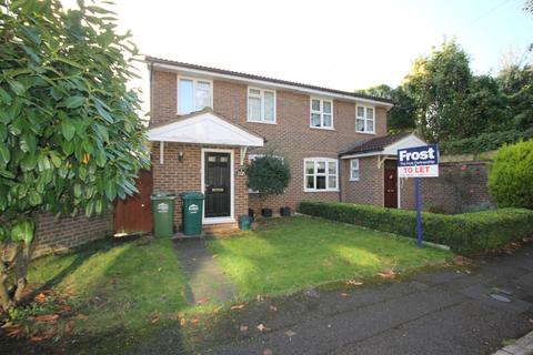 3 bedroom semi-detached house to rent - Eton Court, Staines, TW18