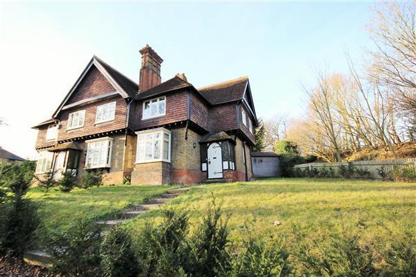 2 Bedrooms End Of Terrace House for sale in Wrens Hill Cottages, Rushett Lane, Norton, Nr Faversham