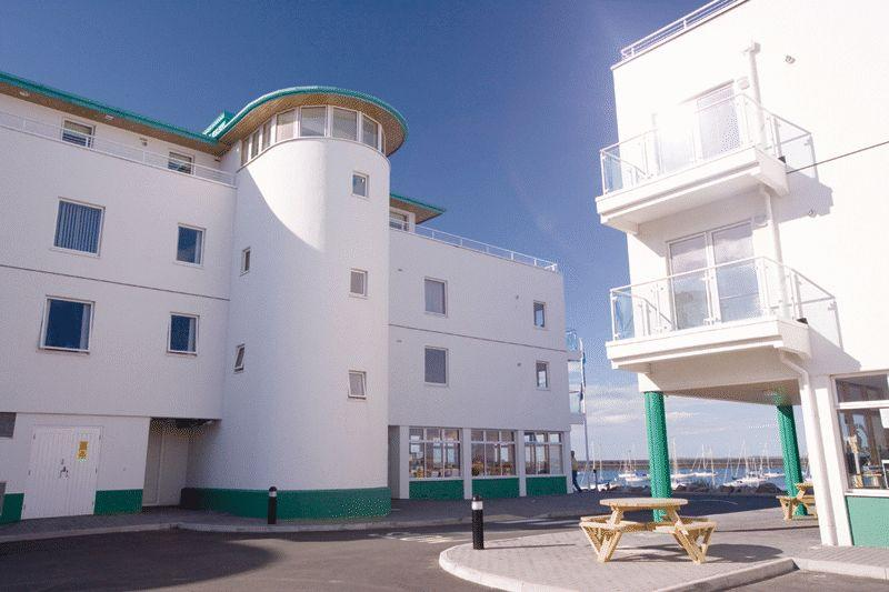 2 Bedrooms Apartment Flat for sale in Holyhead Marina, Anglesey