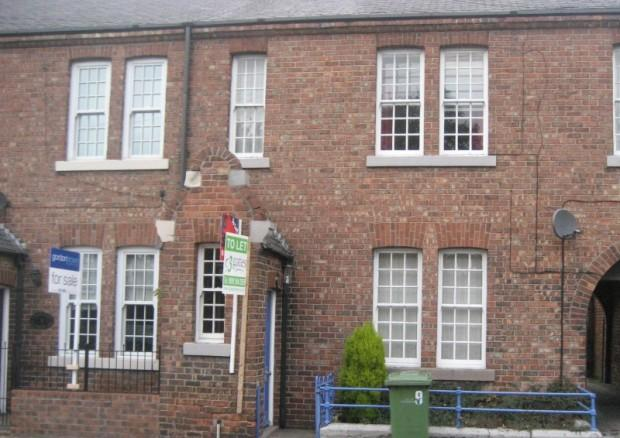 2 Bedrooms Flat for rent in Silksworth Lane, East Herrington, Sunderland, SR3