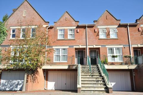4 bedroom terraced house to rent - Holloway Drive, Virginia Water, Surrey GU25 4SY