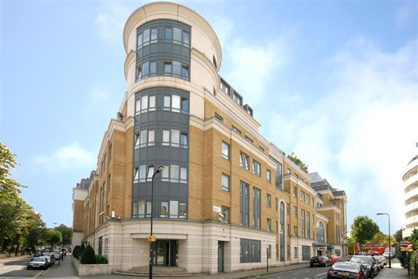 3 Bedrooms Flat for sale in REGENTS PLAZA APARTMENTS, MAIDA VALE, NW6