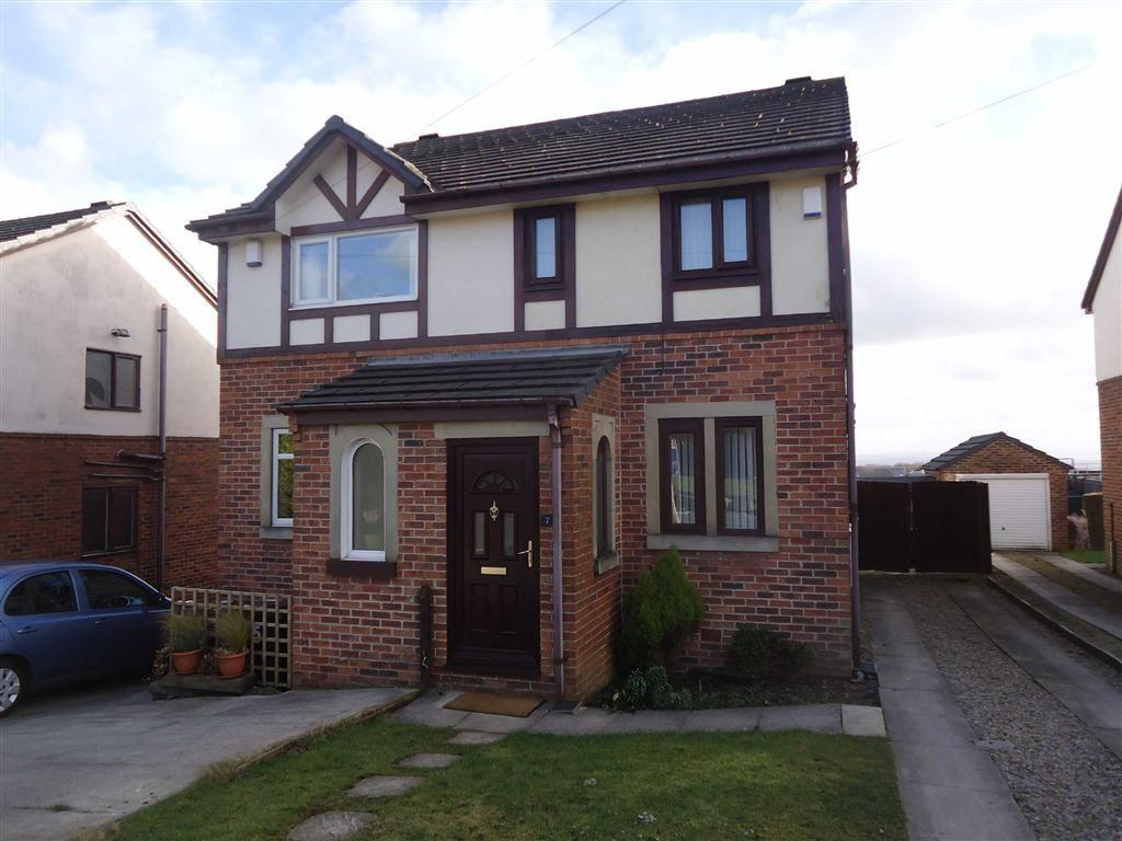 3 Bedrooms Semi Detached House for sale in Shire Close, Bradford, West Yorkshire, BD6