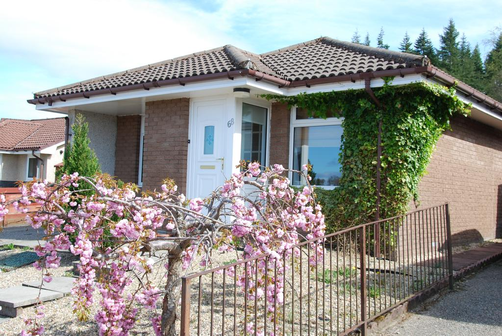 2 Bedrooms Detached Bungalow for sale in Loch Lann Road, Inverness, IV2