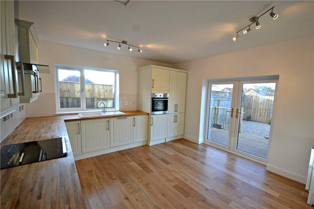 2 Bedrooms Detached Bungalow for sale in Addison Road, Great Ayton, Middlesbrough, North Yorkshire