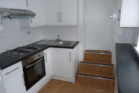 2 bedroom apartment to rent - Brighton Road, Coulsdon