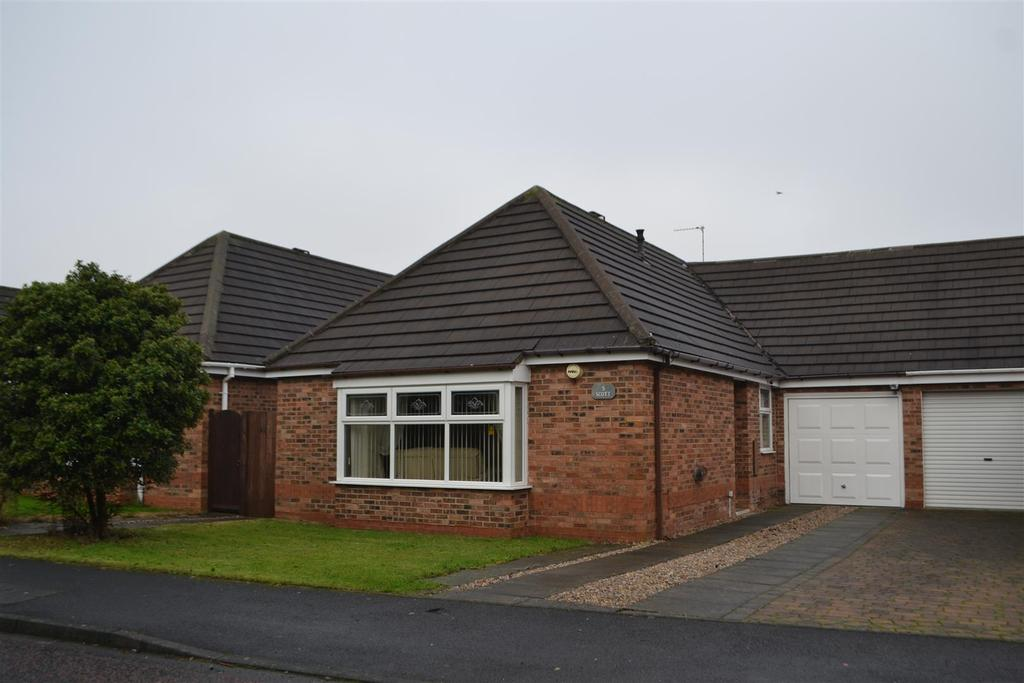 3 Bedrooms Semi Detached Bungalow for sale in Lidcombe Close, Tunstall, Sunderland