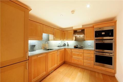 2 bedroom flat - Lancaster Gate, London, W2