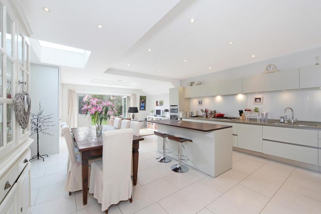 5 Bedrooms Semi Detached House for sale in Finlay Street, London, SW6