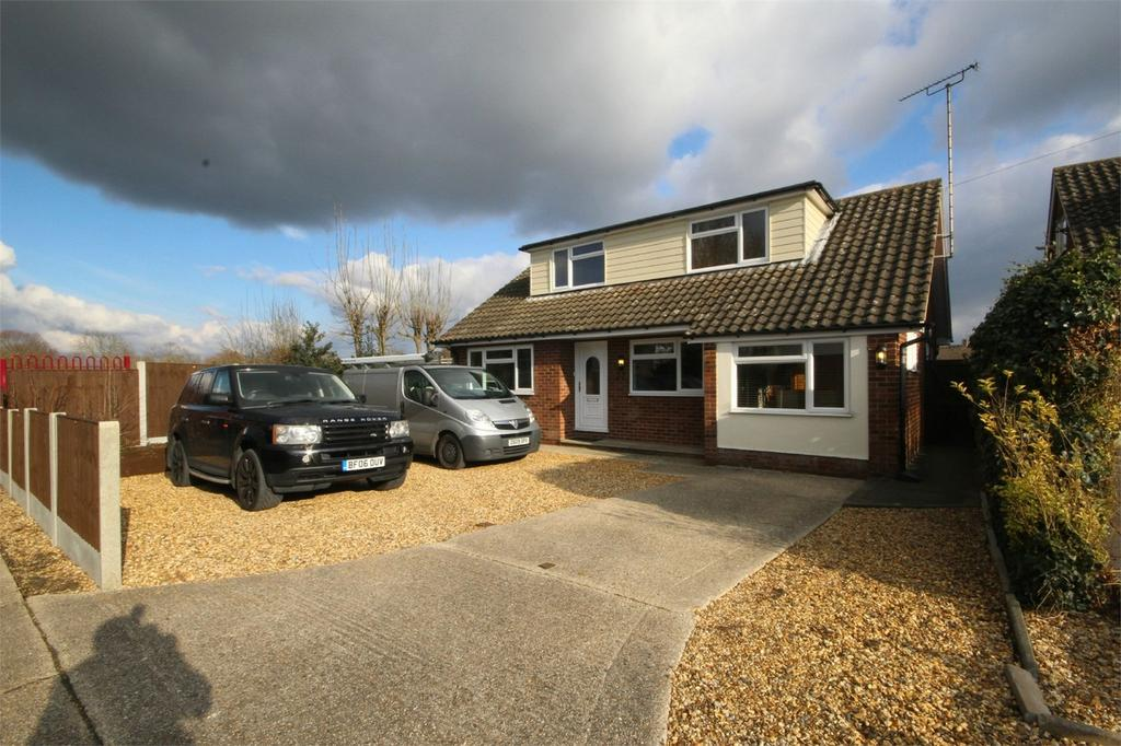 4 Bedrooms Chalet House for sale in Longmore Avenue, Great Baddow, CHELMSFORD, Essex