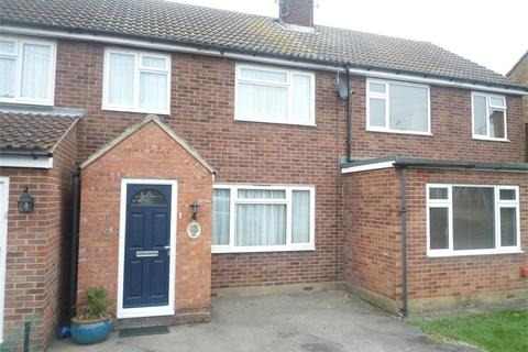 3 bedroom terraced house to rent - Meadgate Avenue, Chelmsford, Essex