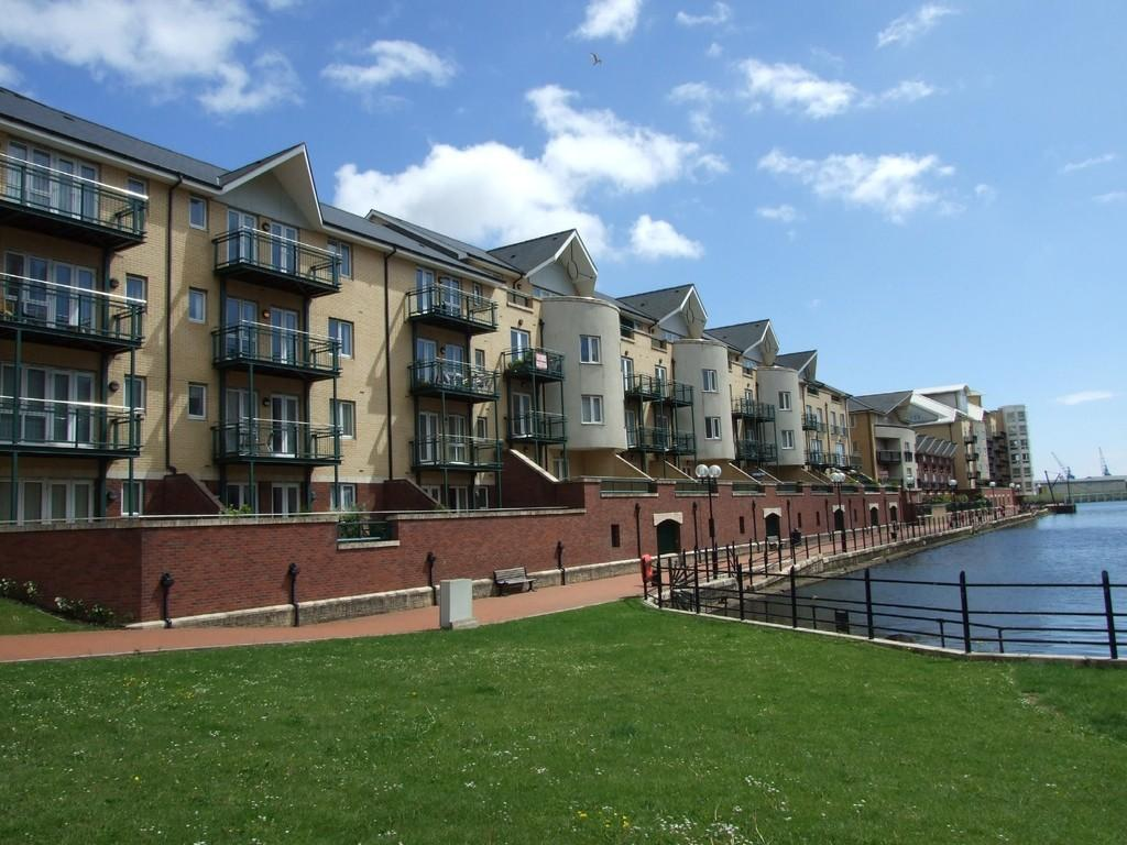 3 Bedrooms Penthouse Flat for sale in Adventurers Quay,Cardiff Bay,Cardiff