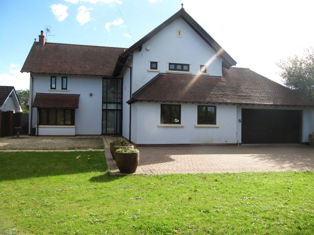 5 Bedrooms Detached House for sale in Newport Road,Old St Mellons,Cardiff,South Glamorgan