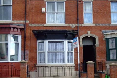 4 bedroom terraced house to rent - Firth Park Road, Firth Park, Sheffield, S5 6WR