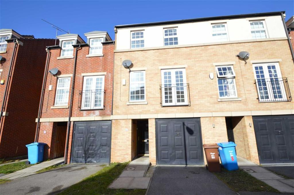 3 Bedrooms Town House for sale in Lambwath Hall Court, Hull, HU7