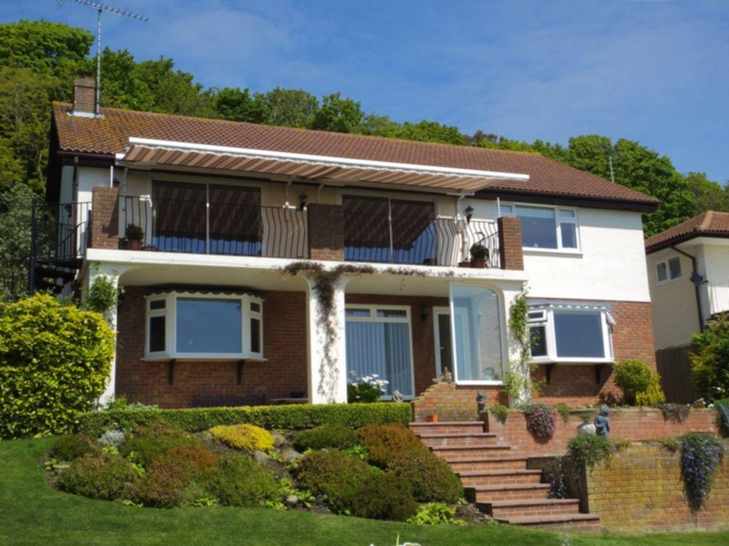 5 Bedrooms Detached House for sale in The Corniche, Sandgate, CT20