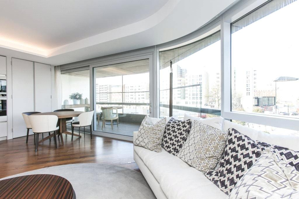 2 Bedrooms Flat for sale in Canaletto Building, City Road, Islington, London, EC1V